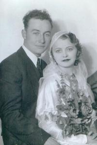 leo & helen groff wedding picture